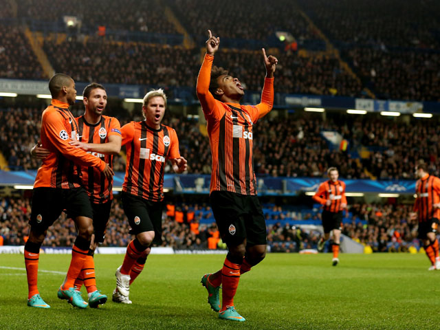 Willian of Shakhtar Donetsk celebrates after scoring their first goal during the Champions League match between Chelsea and Shakhtar Donetsk at Stamford Bridge on November 7, 2012