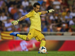 Claudio Bravo of Real Sociedad in action during the La Liga match between Valencia CF and Real Sociedad at Estadio Mestalla on October 19, 2013