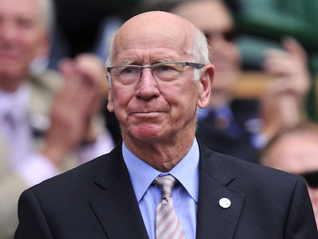 Sir Bobby Charlton congratulates record-breaking Wayne ...  Sir Bobby Charl...