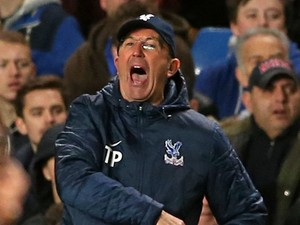 Tony Pulis of Crystal Palace shouts instructions during the Barclays Premier League match between Chelsea and Crystal Palace at Stamford Bridge on December 14, 2013