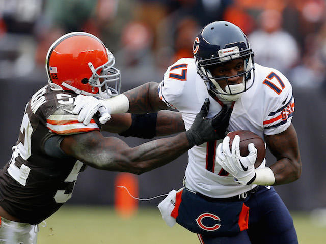 Wide receiver Alshon Jeffery #17 of the Chicago Bears runs by linebacker D'Qwell Jackson #52 of the Cleveland Browns at FirstEnergy Stadium on December 15, 2013