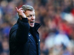 Manchester United manager David Moyes shouts instructions on the touchline during the Barclays Premier League match between Hull City and Manchester United at KC Stadium on December 26, 2013