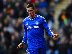 Fernando Torres of Chelsea celebrates scoring their second goal during the Barclays Premier League match between Hull City and Chelsea at KC Stadium on January 11, 2014
