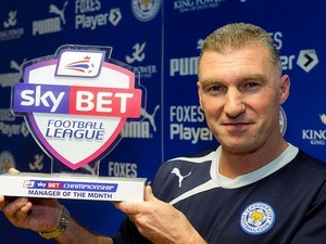 Leicester boss Nigel Pearson with his Manager of the Month award on February 6, 2014