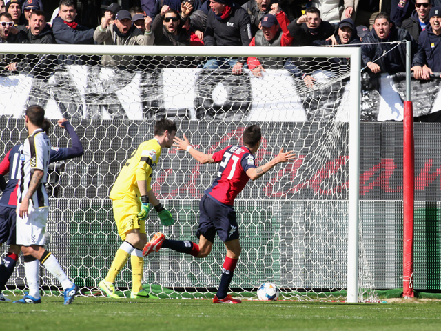 Matias Vecino of Cagliari scores a goal 2-0 during the Serie A match between Cagliari Calcio and Udinese Calcio at Stadio Sant'Elia on March 2, 2014