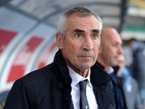 Head coach of SS Lazio Edy Reja looks on during the Serie A match between AC Chievo Verona and SS Lazio at Stadio Marc'Antonio Bentegodi on February 2, 2014