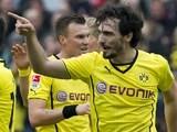 Dortmund's defender Mats Hummels (R) celebrates w