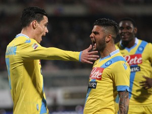 Jose Callejon of Napoli celebrates the seocnd goal wth his team-mate Lorenzo Insigne during the Serie A match between Calcio Catania and SSC Napoli at Stadio Angelo Massimino on March 26, 2014