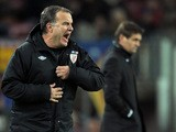 Athletic Bilbao's coach Marcelo Bielsa reacts during the Spanish league football match against Barcelona on December 1, 2012