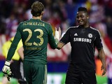 Chelsea's Mark Schwarzer and John Mikel Obi clasp hands at the end of the Champions League semi-final first leg match on April 22, 2014