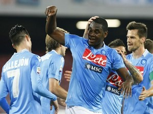 Napoli's Colombian forward Duvan Zapata celebrates after scoring during the Italian Serie A football match between SSC Napoli and Hellas Verona FC in San Paolo Stadium on May 18, 2014