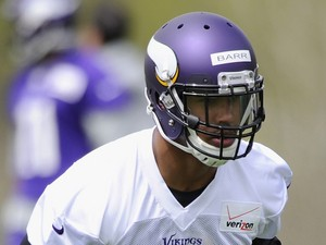 Anthony Barr #55 of the Minnesota Vikings runs a drill during rookie minicamp on May 16, 2014