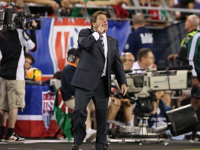 Miguel Herrera stalks the touchline as Mexico take on the USA on April 02, 2014.