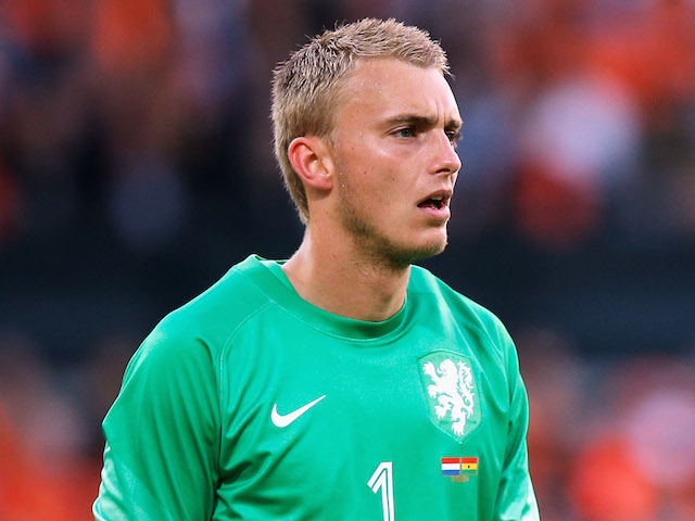 Jasper Cillessen earned a 0.5 million dollar salary - leaving the net worth at 1 million in 2018