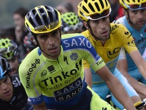 Alberto Contador (L) and Vincenzo Nibali ride during stage eight of the Tour de France on July 12, 2014
