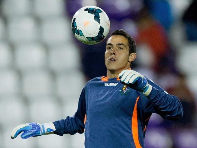 Goalkeeper Jaime Jimenez in action for Real Valladolid on September 27, 2013.