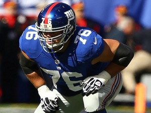 Chris Snee #76 of the New York Giants in action during their game against the Washington Redskins at MetLife Stadium on October 21, 2012