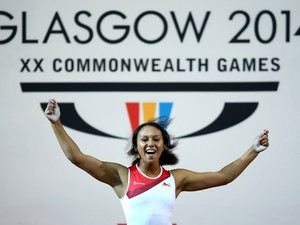 Zoe Smith of England lifts on her way to Gold in the Women's 58kg A Final at Scottish Exhibition And Conference Centre during day three of the Glasgow 2014 Commonwealth Games on July 26, 2014