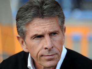 Nice's French coach Claude Puel looks on prior to the French L1 football match Lorient vs Nice on August 16, 2014