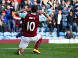 Danny Ings of Burnley celebrates scoring his team's first goal during the Premier League match between Burnley and Everton at Turf Moor on October 26, 2014