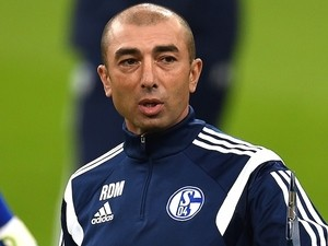 Schalke's Italian head coach Roberto Di Matteo attends a training session at the arena in Gelsenkirchen, western Germany on October 20, 2014