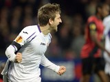Fiorentina's German midfielder Marko Marin celebrates after opening the scoring during the Europa League Group K football match Guingamp vs Fiorentina on November 27, 2014