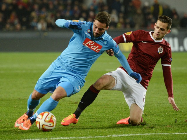 Napoli's midfielder from Spain David Lopez and Sparta Prague's defender Mario Holek vie for the ball during the UEFA Europa League Group I football match AC Sparta Praha vs SSC Napoli in Prague, Czech Republic on November 27, 2014