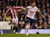 Jamie Murphy of Sheffield United and Kyle Walker of Spurs battle for the ball during the Capital One Cup Semi-Final first leg match on January 21, 2015