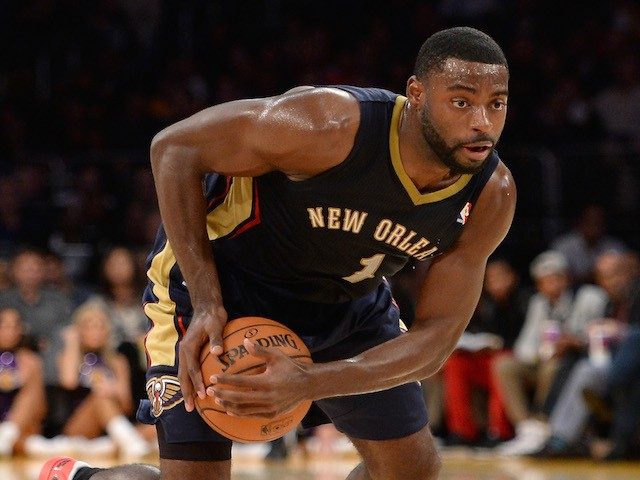 Tyreke Evans #1 of the New Orleans Pelicans grabs a loose ball during the game against the Los Angeles Lakers at Staples Center on November 12, 2013