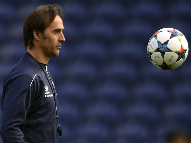 Porto's Spanish coach Julen Lopetegui plays with a ball in a training session at the Dragao stadium in Porto on March 9, 2015