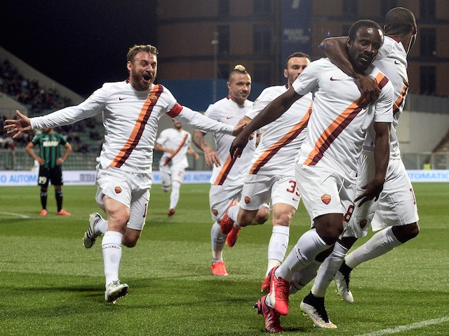 Seydou Doumbia of AS Roma celebrates after scoring the opening goal during the Serie A match between US Sassuolo Calcio and AS Roma on April 29, 2015