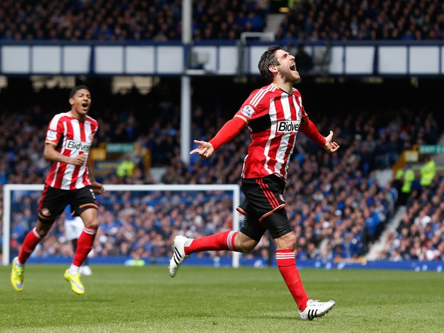 Danny Graham of Sunderland celebrates scoring the opening goal during the Barclays Premier League match between Everton and Sunderland at Goodison Park on May 9, 2015