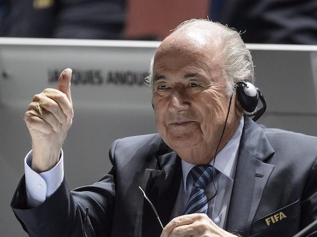 Sepp Blatter spots Vladimir Putin at the 65th FIFA Congress on May 29, 2015