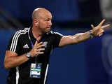 UAE's al-Nasr club coach Walter Zenga of Italy gestures to his players during their Asian Football Confederation (AFC) Cup match against Saudi Arabia's al-Ahli club in Kuwait City on April 3, 2012