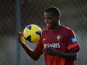 ortugal's midfielder William Carvalho takes part in a training session in Praia del Rey, near Obidos, on November 11, 2013