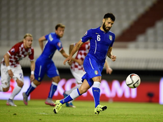Antonio Candreva of Italy #6 scores the first goal during the EURO 2016 Group H Qualifier between Croatia and Italy on June 12, 2015