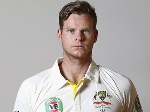 Steve Smith poses during an Australia portrait session in May 2015