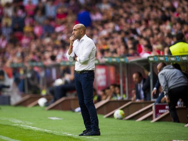 Head Abelardo Fernandez of Sporting Gijon reacts during the La Liga match between Sporting Gijon and Real Madrid at Estadio El Molinon on August 23, 201