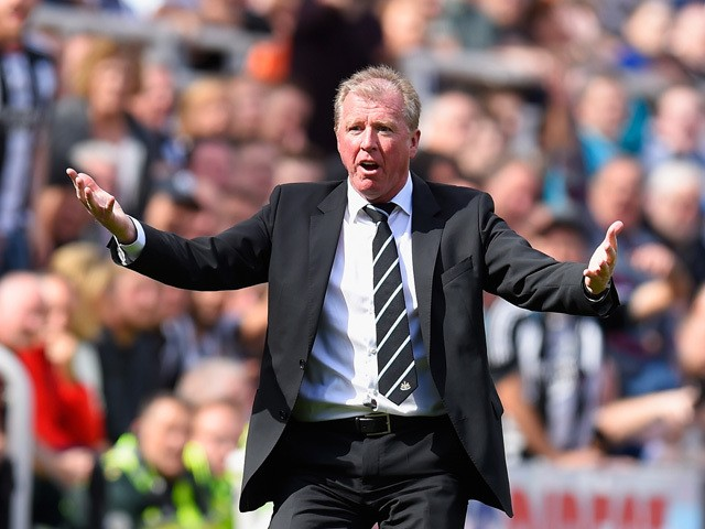 Steve McClaren manager of Newcastle United gestures during the Barclays Premier League match between Newcastle United and Arsenal at St James' Park on August 29, 2015