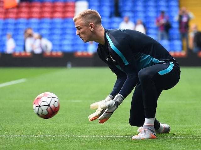 Man City keeper Joe Hart warms up prior to the match at Crystal Palace on September 12, 2015