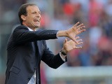 Juventus' coach Massimiliano Allegri gestures during the Italian Serie A football match between Genoa and Juventus on September 20, 2015
