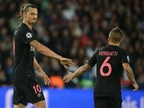 Paris Saint-Germain's Swedish forward Zlatan Ibrahimovic (L) and Paris Saint-Germain's Italian midfielder Marco Verratti react during the UEFA Champions League group A football match between Paris Saint Germain (PSG) and Malmo FF on September 15, 2015