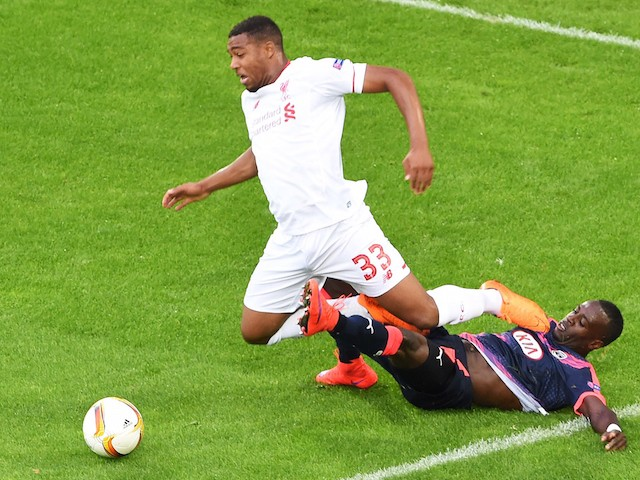 Liverpool's English midfielder Jordon Ibe (L) vies with Bordeaux's French defender Maxime Poundje (R) during the group B, UEFA Europa League football match between Bordeaux vs Liverpool on September 17, 2015 at the Matmut Atlantique Stadium in Bordeaux