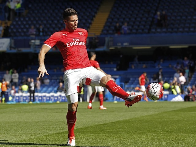 The handsome Olivier Giroud warms up prior to Arsenal's game with Chelsea at Stamford Bridge on September 19, 2015