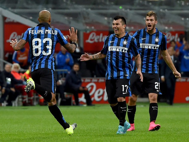 Felipe Melo of Internazionale Milano celebrates after scoring the opening goal during the Serie A match between FC Internazionale Milano and Hellas Verona FC at Stadio Giuseppe Meazza on September 23, 2015