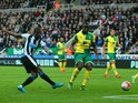 Georginio Wijnaldum of Newcastle United scores the opening goal during the Barclays Premier League match between Newcastle United and Norwich City at St James' Park on October 18, 2015 in Newcastle upon Tyne, England.