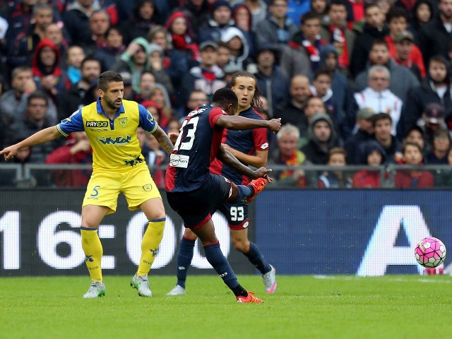 Serge Gakpe' of Genoa CFC scores a goal during the Serie A match between Genoa CFC and AC Chievo Verona at Stadio Luigi Ferraris on October 18, 2015 in Genoa, Italy.