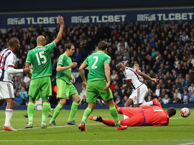 Saido Berahino (1st R) of West Bromwich Albion scores his team's first goal during the Barclays Premier League match between West Bromwich Albion and Sunderland at The Hawthorns on October 17, 2015
