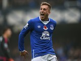 Everton's Spanish midfielder Gerard Deulofeu celebrates scoring his team's first goal during the English Premier League football match between Everton and Sunderland at Goodison Park in Liverpool on November 1, 2015.