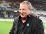 Montpellier's French coach Rolland Courbis reacts during the French L1 football match between MHSC Montpellier and Nantes on November 07, 2015